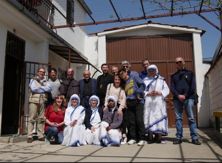 """Il Vescovo Luciano in visita alla Caritas umbra in Kosovo. """"Una missione molto ben organizzata e anche ben inserita nel territorio"""""""