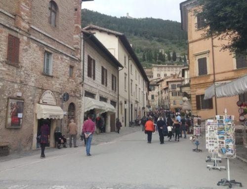 """Ponte del 25 aprile a Gubbio. Alcuni commercianti del centro storico: """"In città tanti turisti italiani e stranieri"""""""