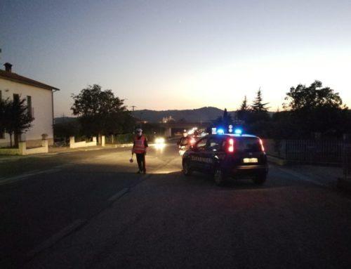 Carabinieri di Gubbio: denunciato alla Procura 28enne perugino con 2 coltelli in auto lungo la SS 298