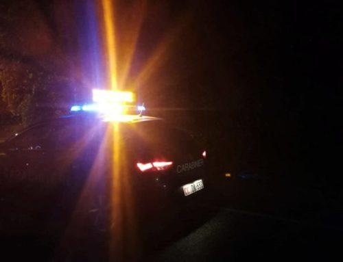 Incidente tra due automobili lungo la vecchia Pian d'Assino a Padule. Sul posto i Carabinieri