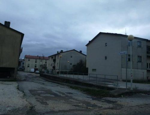 """Piazza Don Pino Puglisi, i cittadini chiedono la riqualificazione. """"Asfalto sconnesso e illuminazione da potenziare"""""""