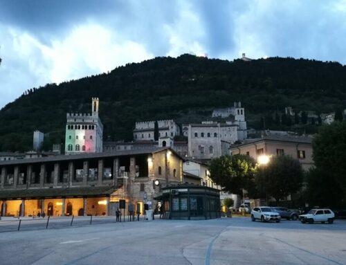 Festa della Repubblica. I colori della Bandiera Italiana sulla facciata sud di Palazzo dei Consoli
