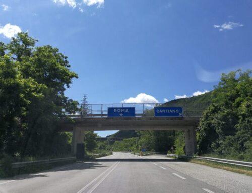 Flaminia Fano-Gubbio: oggi tra Cantiano e Pontericcioli sarà tolto il semaforo per favorire il rientro dal mare