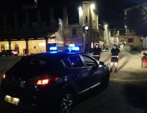 Polizia Locale di Gubbio: controlli serali anti contagio in 5 esercizi e 8 Club giovanili nel centro storico